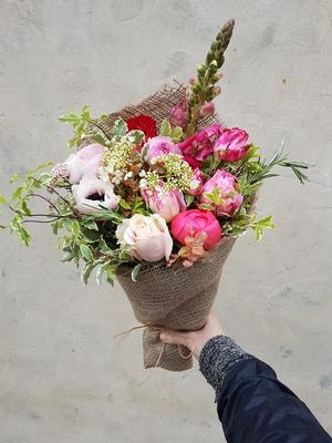 Pink seasonal bunch of flowers